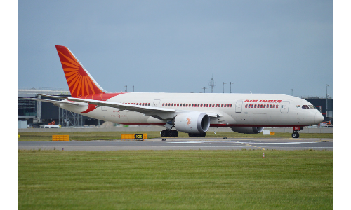 On May 31 deadline, there were not one prospective investor interested in the Rs 50,000 crore debt-ridden Air India airline.. Pic for representational purpose only.