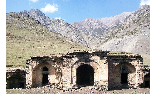 Different places around Heerpora village are reminiscent of Mughal-era inns constructed for emperors who had stayed there around 350 years back.