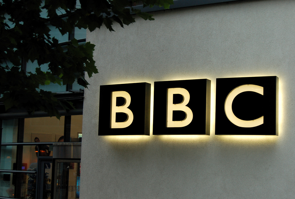 BBC apologizes to senior journalist in China