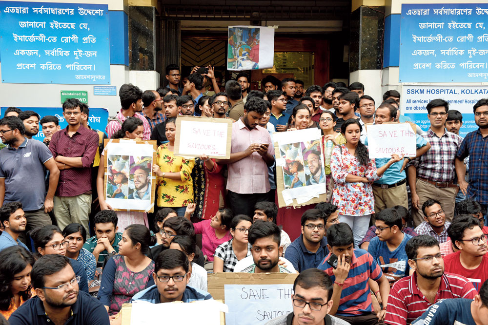 Doctors on indefinite strike across Bengal